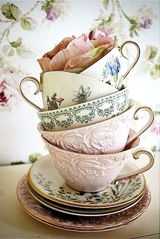 Vintage tea cups - If I had these on every table for a tea/coffee service after dinner... I would be QUITE happy. Time to troll the thrift stores.                                                                                                                                                      More