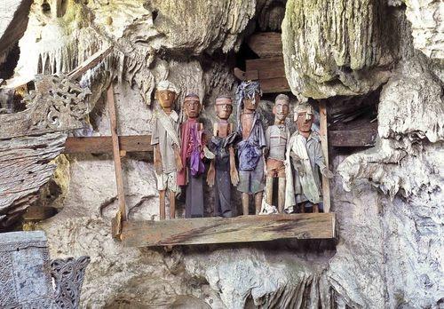 tana toraja indonesia -Tumbas