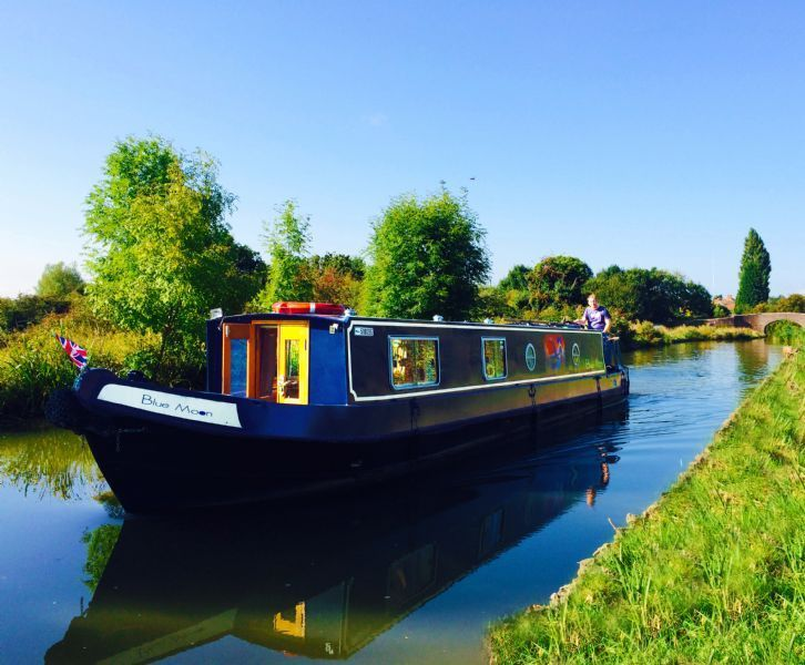 Avon canal boat hire.