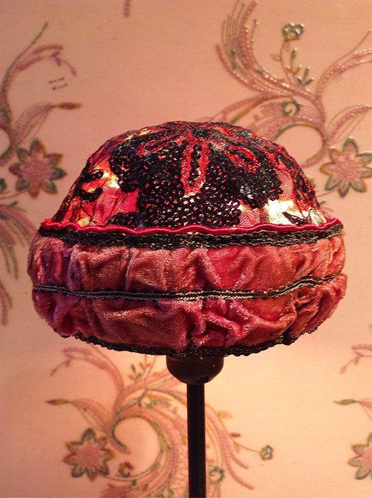 Lampshade/Lampenkap Le bonnet rouge uit de door MargrietThissen