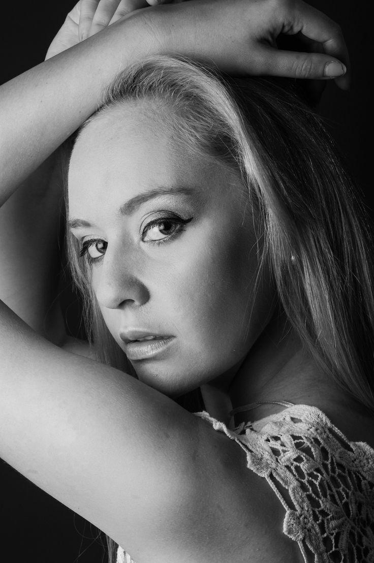Model: Jurika Geldenhuys. Photographer: Linda Cronje Greyling. Location: Reflekt Studio Hartenbos