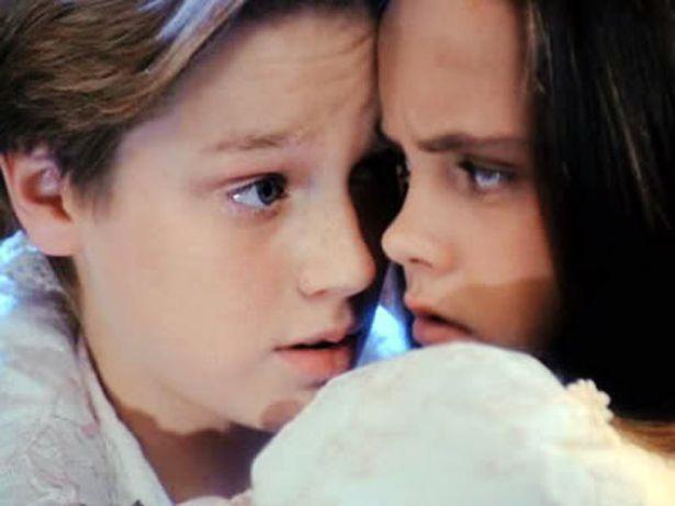 """Devon Sawa with Christina Ricci in Casper. """"Can I keep you?"""""""