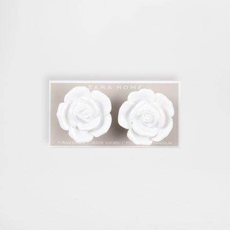 http://www.zarahome.com/es/en/decoration/knobs-c1090528p6907113.html