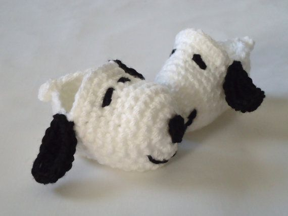 Snoopy Crochet Baby Booties  Please Select by RCarolineCreations, $12.00