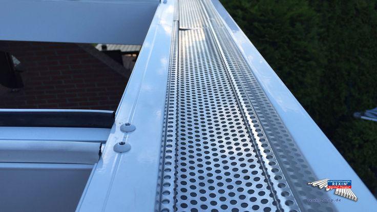 Best Detailansicht Regenrinne Alu Terrassendach der Marke REXOpremium Titan mit massiven Makrolonplatten m x m in wei In den Sparren wurde eine LED u