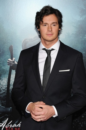 I don't know why I pinned it here. Maybe because I thought he had blue eyes in the movie Vampire hunter, and also he looks charismatic. Behold Benjamin Walker.