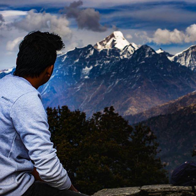 Nandakot View from Dhakuri Top. _____________ Imagine what would be life when there is No Himalaya. It is melting day by day.  Save Himalaya .. Save Life..  #himalaya #Kedygraphy #savetheearth #himgeo #himalayangeographic #picoftheday #throughback #instalike #instatravel #goodmorning #nandakot #uttarakhand_photography #uttarakhand #like4like #comment #bugyal #sunset #sky #skycolors #view #wintertrek #trekking #MOUNTAINLOVERS #MountainLife #trekkers #trekkingday #liveauthentic #life…