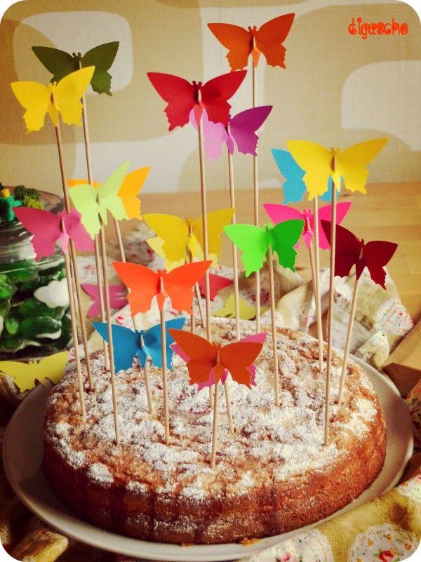 Meine Tochter hatte gestern Geburtstag. Und auch wenn sie mit 19 aus der Kindergeburtstagszeit mittlerweile herausgewachsen ist, hat sie sich über die Schmetterlinge auf ihrem Kuchen sehr gefreut. Diese Aktion ist mir kurzfristig eingefallen, weil ich den Kuchen so zu...