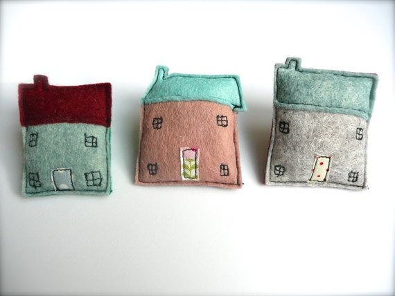 Small cottage felt brooch https://www.etsy.com/shop/KatyPillingerDesigns?page=2