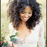 20 coiffures pour les cheveux crépus et bouclés | Coiffures pour les femmes   – Coiffures Femmes