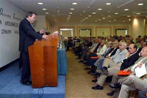 Μήνυμα Σημίτη στο συνέδριο της ΑΕΚΑ - Επιτροπή Κεντροαριστεράς προτείνει ο Ν.Μπίστης