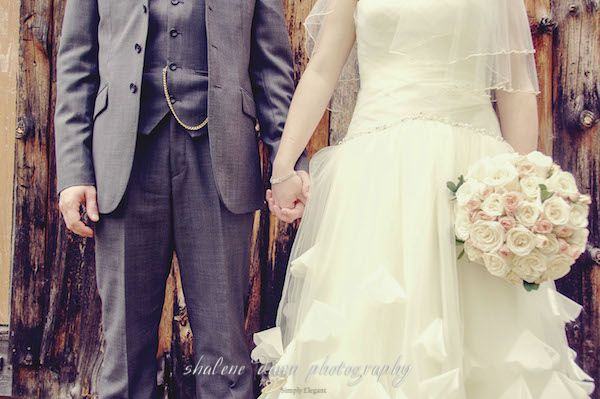 Shalene Dawn Photography | Bride & Groom Rose Bouquet