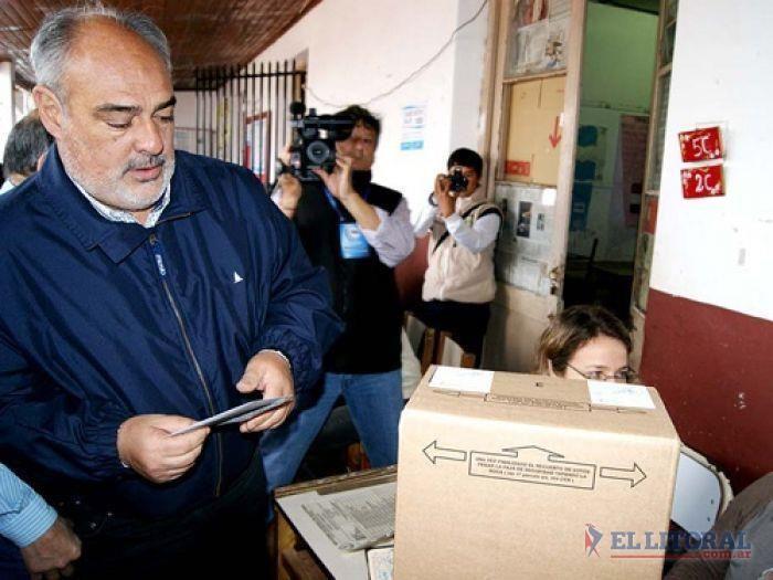 Votó Colombi en Mercedes y volvió a Capital