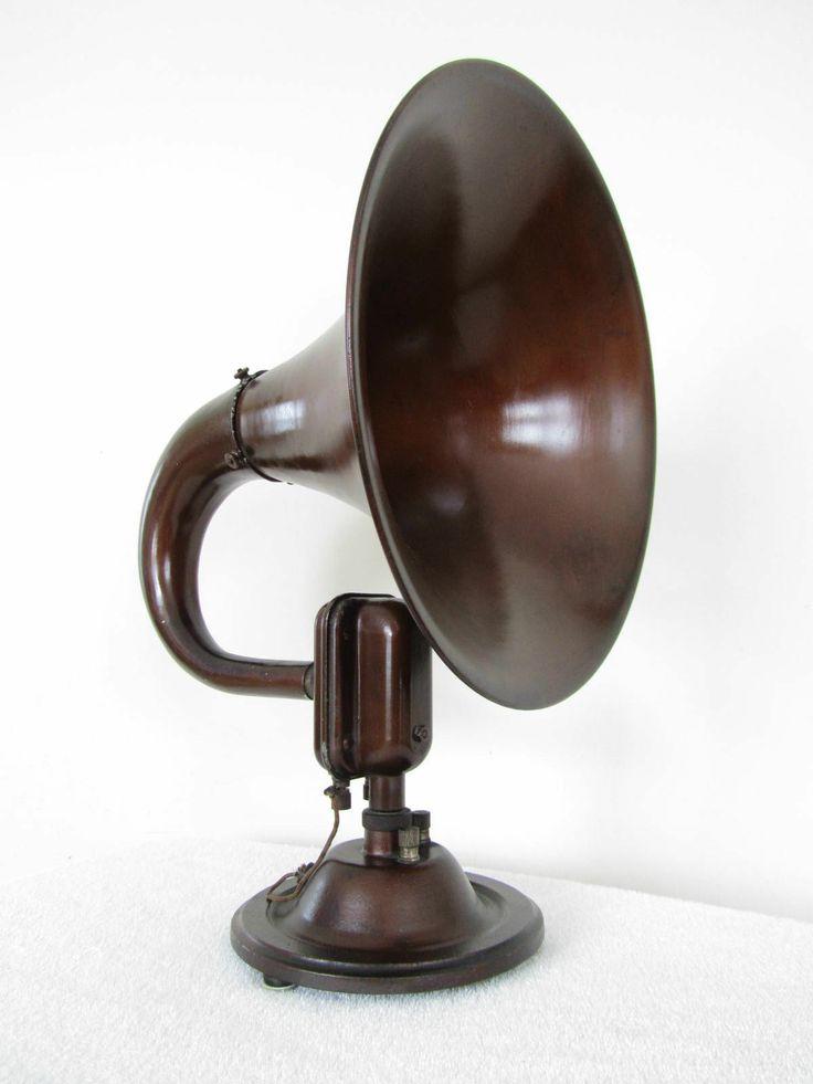 1920s  RADIO SPEAKER