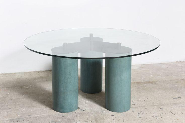 Vignelli table