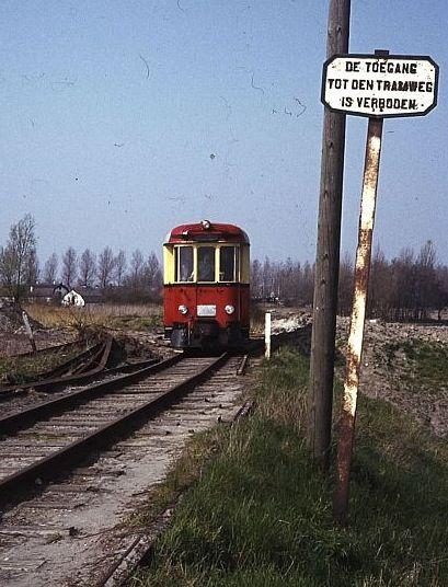 De oorsprong van de straatnamen in De Nieuwe Vesting vindt u hier. Het moordenaartje, de tramlijn vanuit Rotterdam naar Hellevoetsluis.