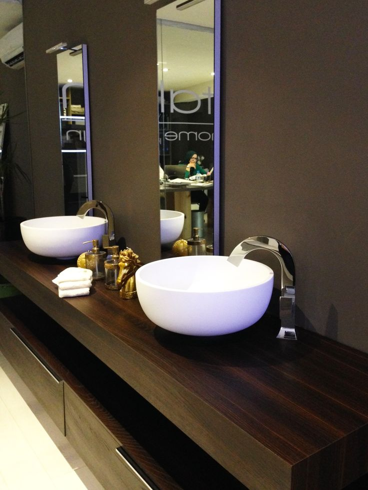 Oltre 25 fantastiche idee su doppio lavabo da bagno su - Mobili bagno doppio lavabo moderni ...