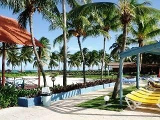 Dames Hotel Deals International - Brisas Santa Lucia - Ave Turistica Santa Lucia Cama, Playa Santa Lucia, Cuba