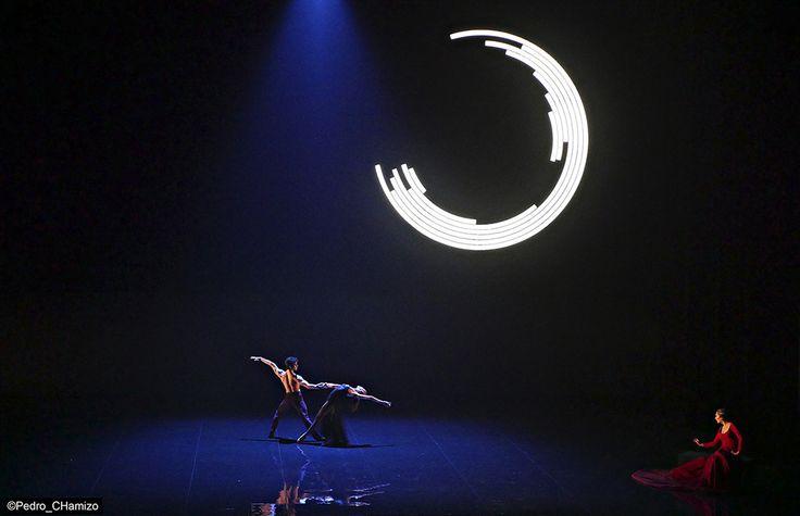 El Amor Brujo by Manuel de Falla Choreography:  Victor Ullate Musical Director: Josep Vicent  Cantaora:  Estrella Morente lighting and stage design:  Paco Azorín Teatro Real in Madrid, 2015 Photo: Pedro CHamizo