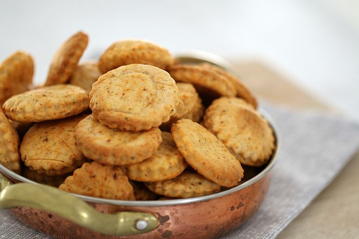 Cheesy Thermomix Crackers