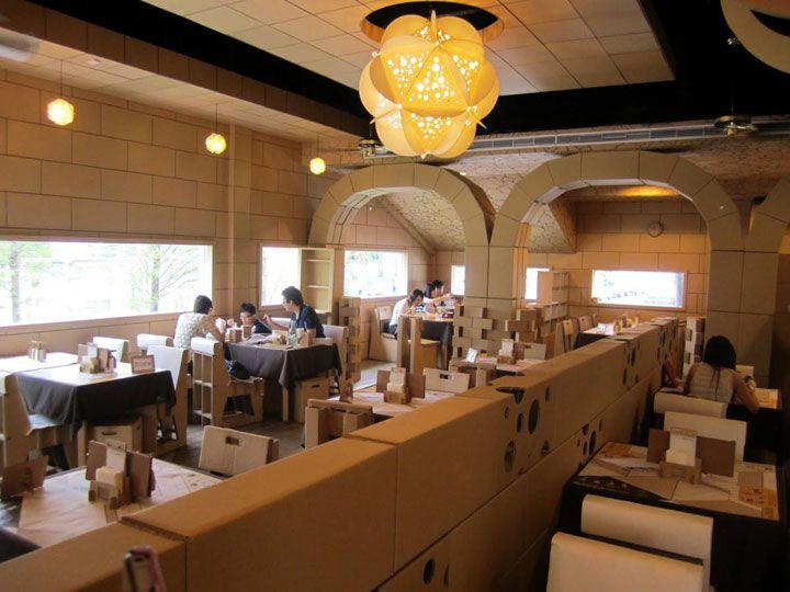 Ce restaurant taïwanais hors du commun est fabriqué intégralement avec des cartons