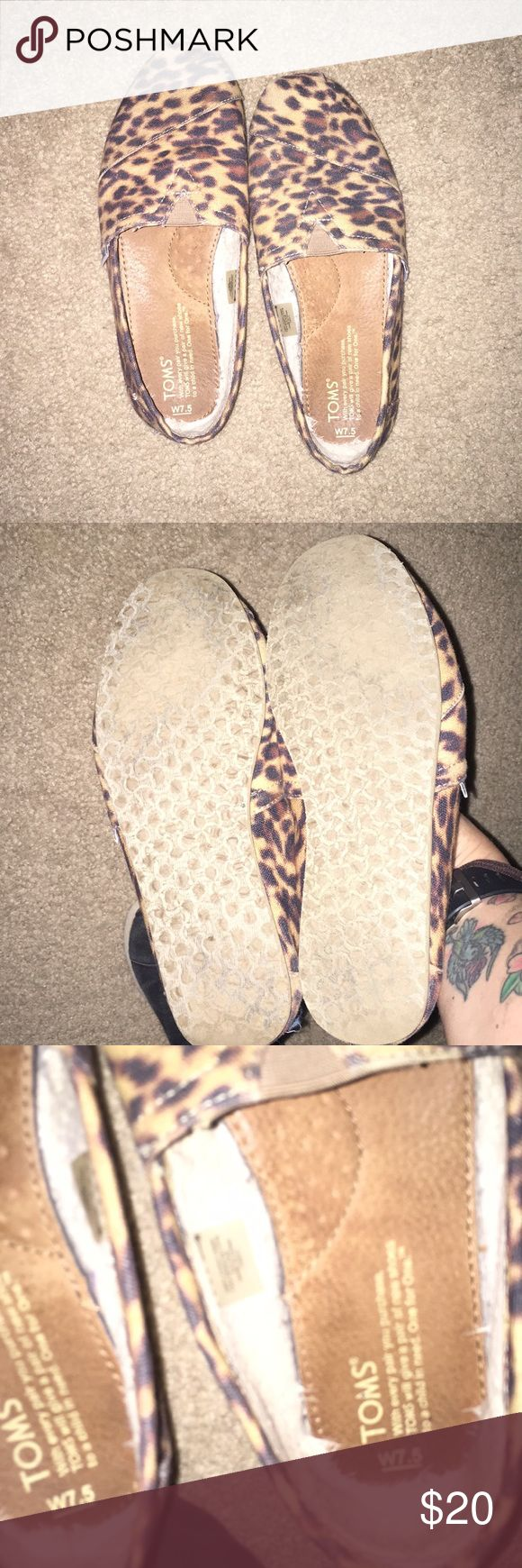 Leopard toms Cute leopard Tom's with a sherpa lining inside. Not worn much. In good condition 🙂 Toms Shoes Flats & Loafers