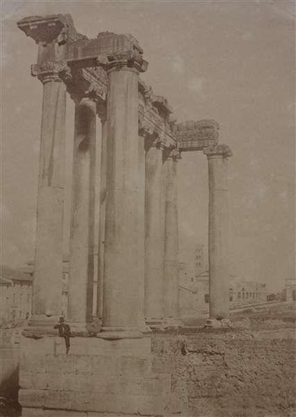 1850/52 Caneva Giacomo . Tempio di Saturno con personaggio seduto.