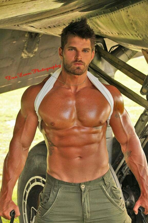 Zach dudley dan lerro muscle jocks pinterest sexy sexy men and fitness models - Beatufiol cock peicther ...