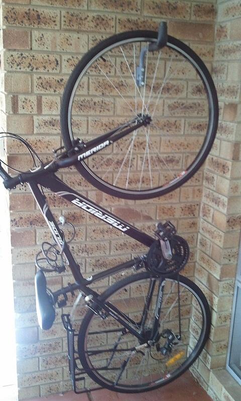 велосипед на крюке