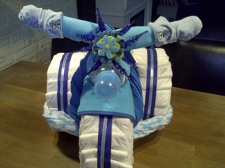 TRIKE DIAPER CAKE/ LUIERTAART   bestellen babyshowerorganisatie@hotmail.com