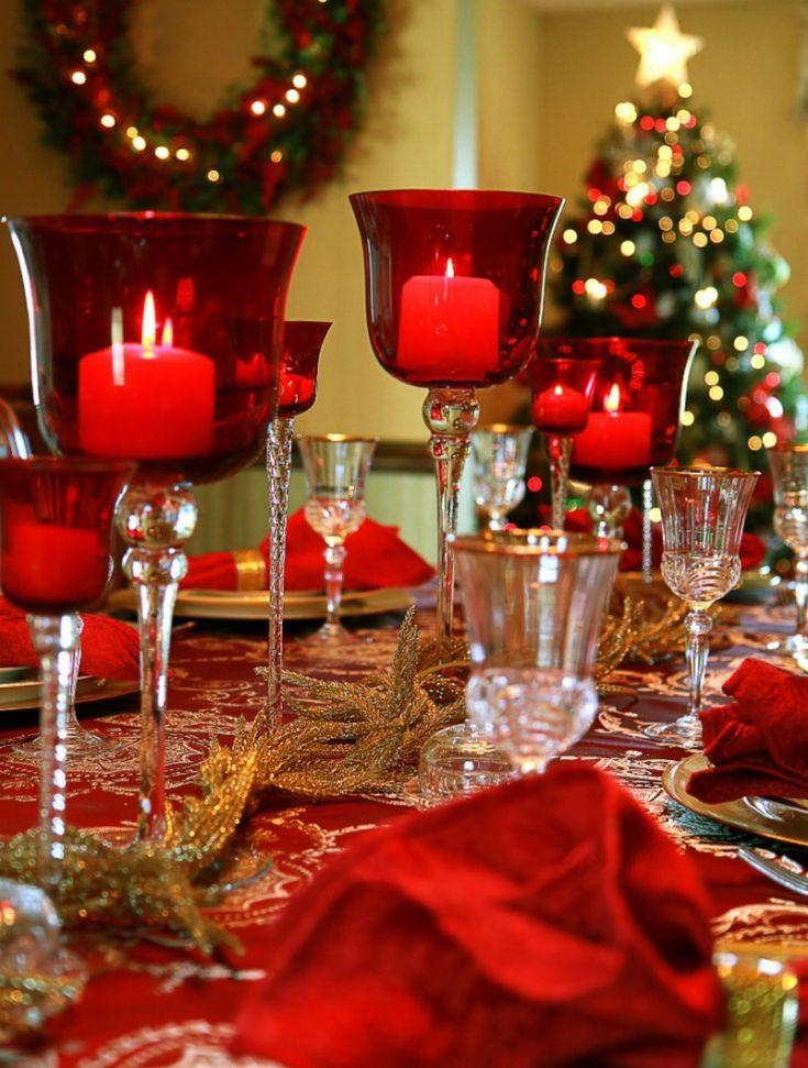 1166 best christmas table decorations images on pinterest for Ideas for christmas dinner