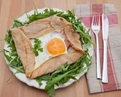 Galette de sarrasin complète œuf, jambon et gruyère (facile, rapide) - Une recette CuisineAZ