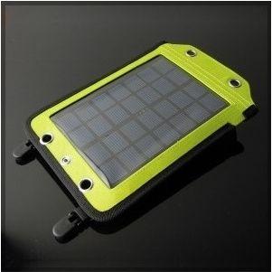Ładowarka solarna SC 17B to idealne wyposażenie dla każdego podróżnika. Duża, w tej klasie, powierzchnia panelu słonecznego pozwala na wygenerowanie stałego prądu ładowania o mocy 2W i napięciu 5V. Pozwala to na bezproblemowe ładowanie wszelkiego typu urządzeń mobilnych.