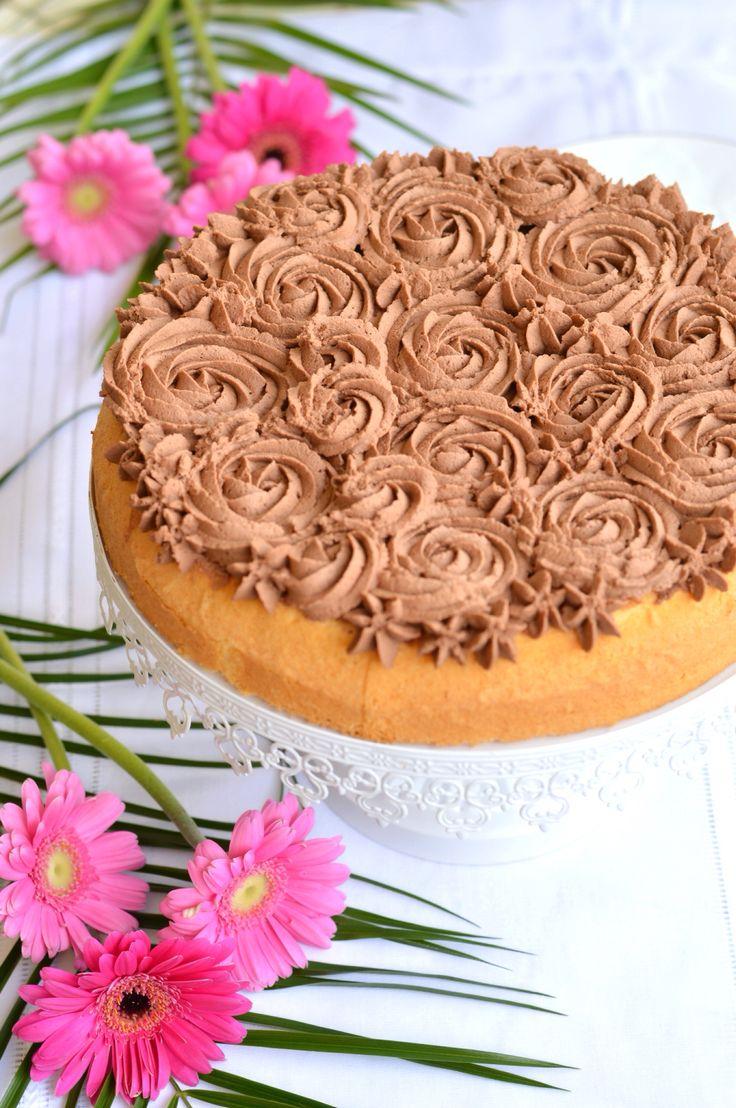 Torta soffice solo albumi allo yogurt al cocco con mousse al cioccolato- white yogurt cake with chocolate mousse