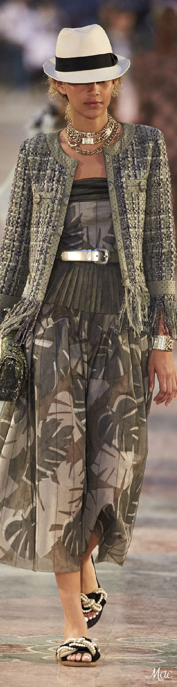 Resort 2017 Chanel This is an absolute must on the inspiration board for fall.  Major WOW factor here!