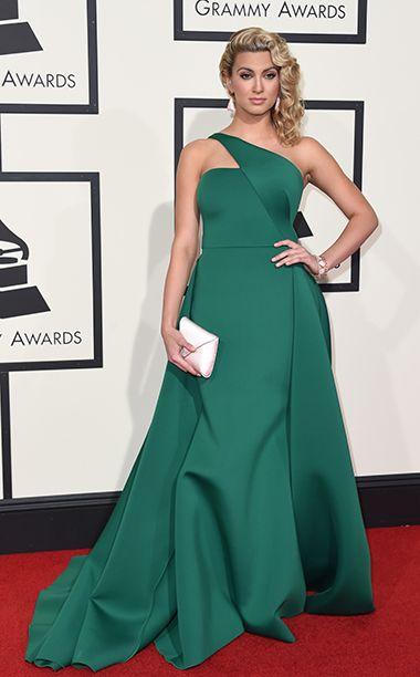 Grammys 2016: Red Carpet Style | Tori Kelly