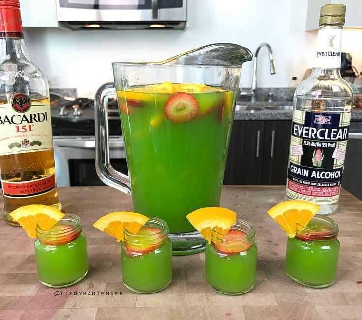 Green Jungle Juice Shots! These are potent and will knock you on your ass! Click on the link in my bio to watch us make them!  #rum #bacardi #cocktail #drink #cocktails #drinks #vodka #tequila
