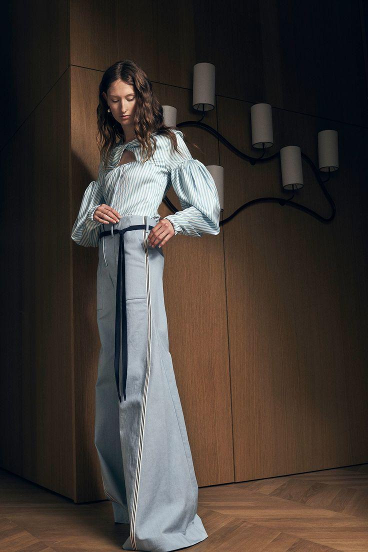 Hellessy Resort 2018 Fashion Show