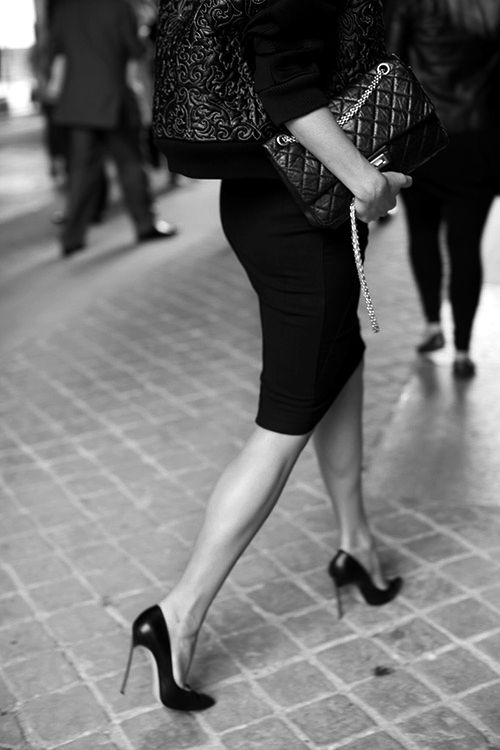 Pencil skirt, heels, and classic bag - LOVE...