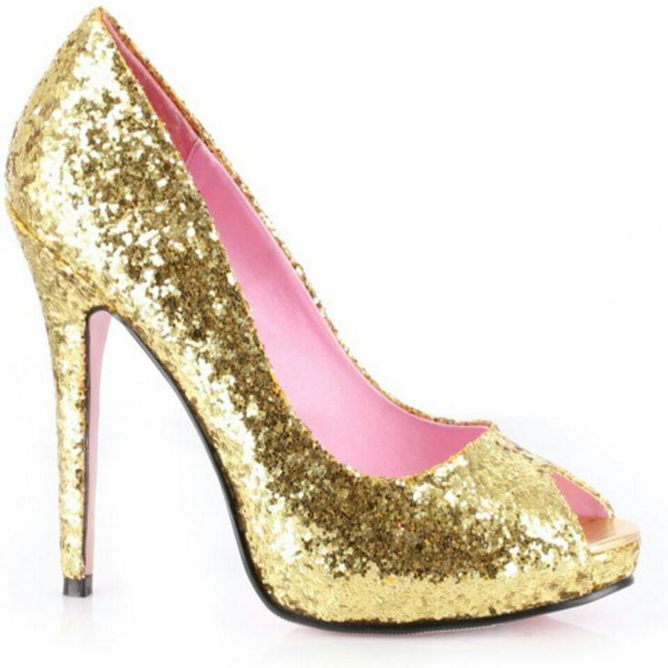zapato de tacón alto y de purpurina dorada