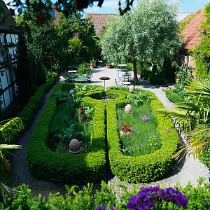 apotekarns trädgård - Simrishamn