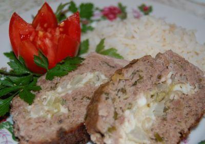 Рулет мясной с капустой и яйцом, запечённый в рукаве