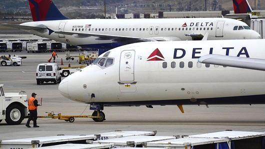 Delta resume operasi domestik; sekitar 150 penerbangan telah dibatalka