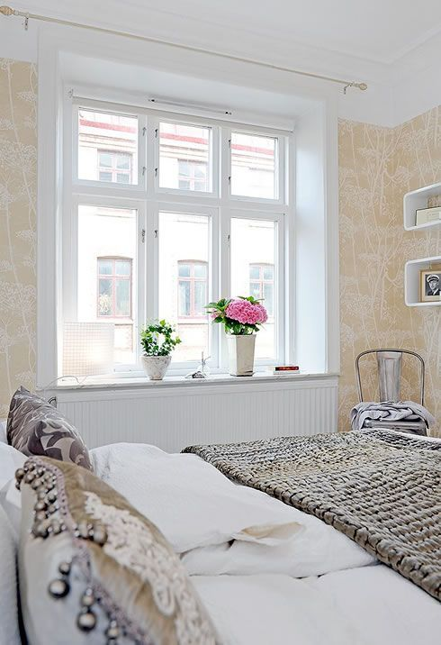 Modern Old-Fashioned Flat in Sweden