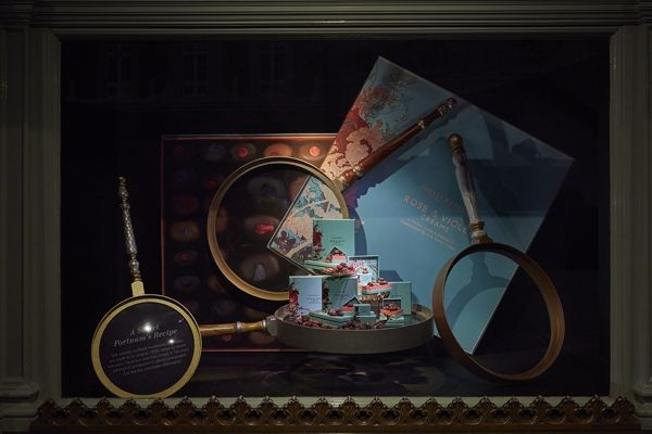 """FORTNUM&MASON,London, UK, """"Close-Up......Discover the Detail"""", pinned by Ton van der Veer"""