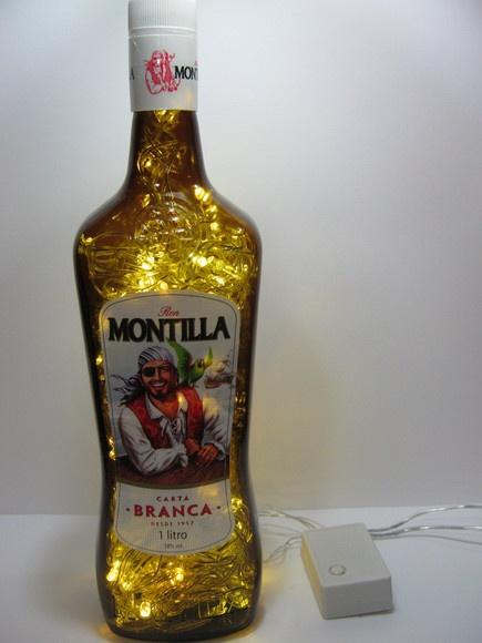 Yo-ho-ho e uma garrafa de rum!