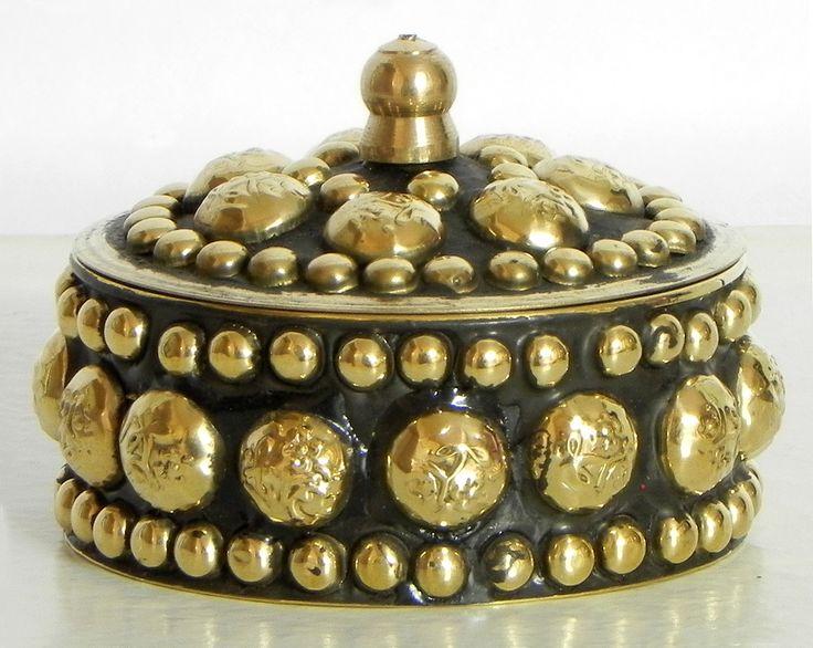 Brass Kumkum Container (Brass))