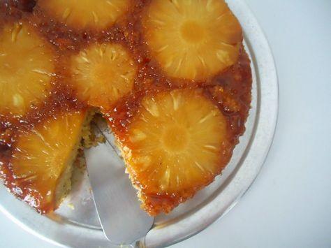 Aprenda a fazer esse delicioso bolo de abacaxi caramelizado, fica uma delicia ! INGREDIENTES Massa: 2 xícaras de açúcar 3 ovos inteiros 2 colheres de (sopa) de margarina 1 e 1/2 xícaras de farinha de trigo 200 ml de leite ou 1 copo pequeno 1 colher (sopa) de fermento para bolo Calda: 1 e 1/2 …