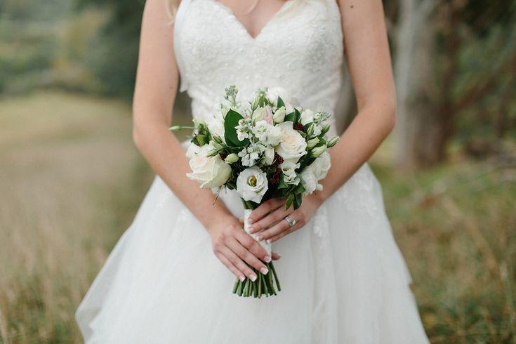 wedding-photographer-waiheke-island- Bridal bouquet Florist www.flowergallery.co.nz