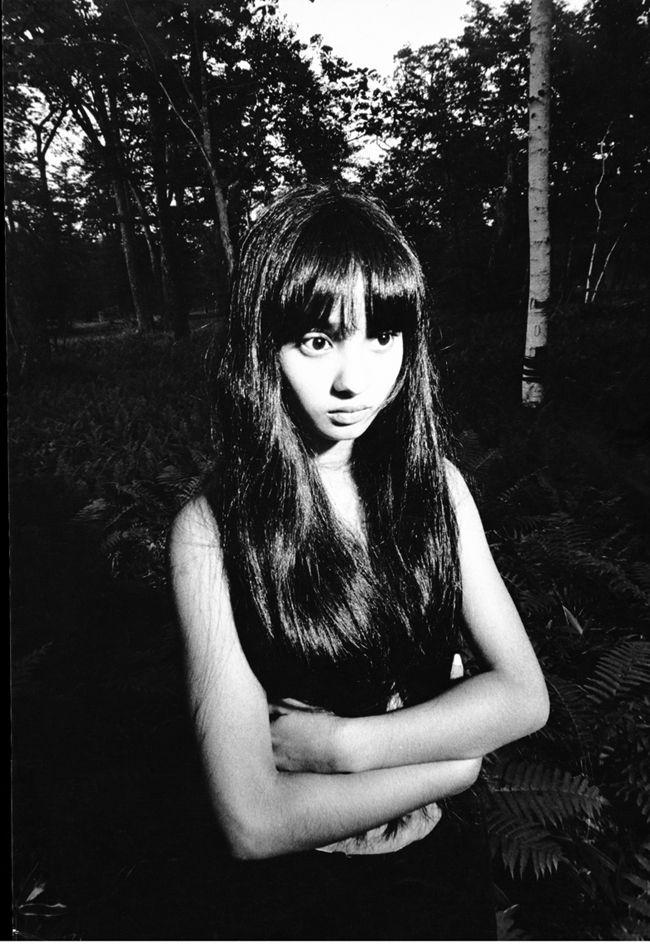 Kishin Shinoyama (篠山紀信) http://fashionpost.jp/archives/8679